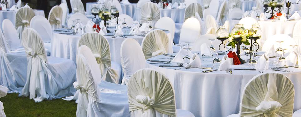 outdoor-wedding-reception-tables